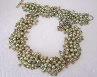 Faux pearl necklace and bracelet green. vintage faux pearl set. pearl and rhinestone set. vintage jewelry