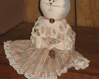 Vintage Kitty Cat Shelf Sitter, 1990's Folk Art, Cat and Mouse, Hand Made