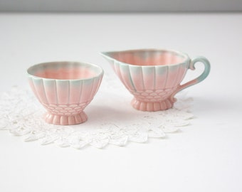 Cream and sugar set, blue and pink gradient