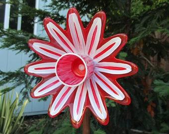 Glass Garden Art, Hand Painted Glass Plate Flower Garden Art - Garden Decor - Glass Flower Garden Art - Garden Sculpture - Garden Gift