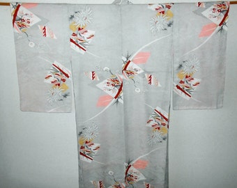 SUMMER SALE 50%off!! Vintage kimono - Traditional motifs, Silver gray, Yuzen, 1950s
