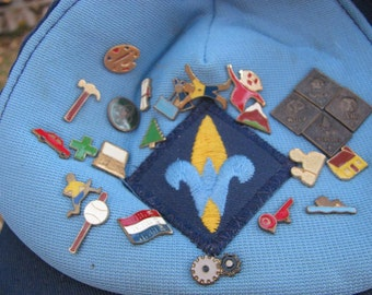 Boy Scout Hat with 25 Pins and Patch, Pin Back Buttons BSA Boy Scouts of America Weeblo Others Free USA Shipping and Tracking Included
