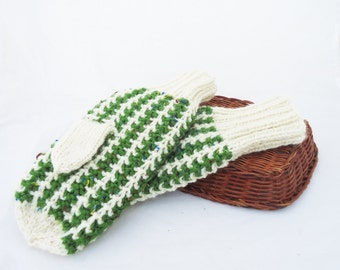 Women Mittens, White ad Green Mittens, Winter Mittens, Handknitted Mittens, Wool Mittens, Warm Wool Mittens