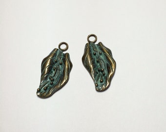 2 Brass Art Deco leave are hand patina to bring  up the beautiful details of leaves.