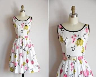 50s Canvas Bloom dress / vintage 1950s floral daydress/ polished cotton full skirt sundress