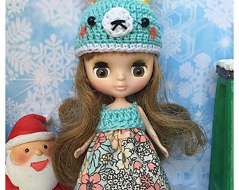 "Petite Blythe / Little Dal Outfit : ""Blossoms and Bunny Set"" (Dress and Crochet hat)"