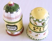 Vintage Salt and Pepper Shakers, cottage chic shakers, ceramic shakers vintage housewares, Sakura China kitchenware, retro whimsy tableware