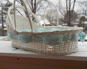American Wicker Basket Baby Basket / Moses Basket / Photo Prop/ Baby/ Baby Blankets / Deck with flowers /Dog Bed /S