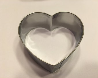 2 1/2 inch metal heart cookie cutter (R4)