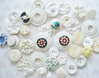 Vintage Pierced Buttons - Ivory Pierced Buttons - Cream Starburst and Floral Buttons - Layered Plastic Buttons - White Pierced Buttons