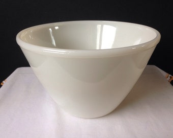 Anchor Hocking - Fire King Splash Proof Bowl - Ivory 7 5/8""