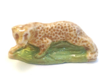 Wade Whimsie: Leopard Figurine - 1976 - Wade - Wade Whimsies - Wade Figurines - Vintage Wade - Wade Collectables - Red Rose Tea - Whimsie