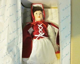 Danbury Mint Dolls, Little Red Riding Hood Doll, Vintage Porcelain Dolls, Storybook Dolls, Collectible Dolls
