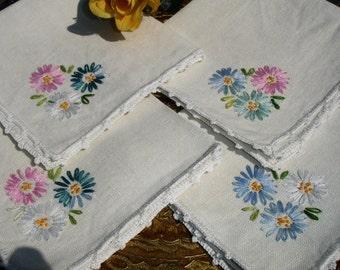 Napkins, LInen Napkins, French country Napkins, Set of four, Tea napkins, Lunch napkins, hand embroidered, 1950s decor, high tea,