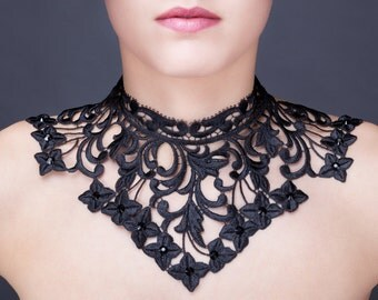 Big necklace in black guipure with crystal pastes of Swarovski.
