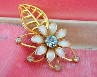 Vintage Daisy pin - Gold Leaf Pin-  1960s - Blue Rhinestone pin- Summer Wedding
