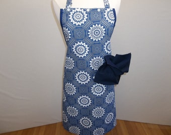 Full All Purpose Apron In Traditional Navy Print