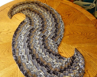 Spiraling Table Runner