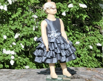 Charcoal gray flower girl dress. Grey girls ruffle dress.Winter wedding flower girl.Special occasion party dress.Toddler girls ruffle dress.