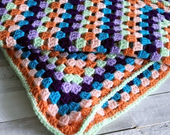 Blanket - Granny Rectangle - Granny Square - Bright - Emma