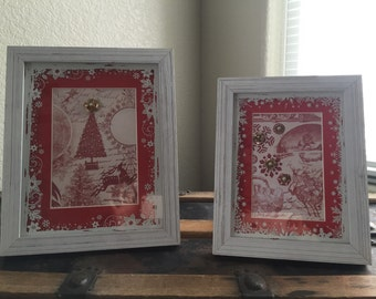 Pair of Pretty Christmas Frame Displays Adorned with Gold and Pearl Flowers