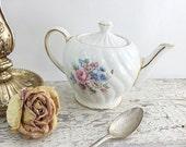 ON SALE Beautiful Vintage Sadler Teapot
