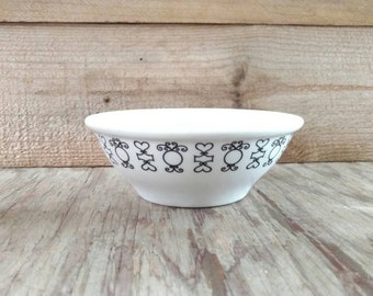 Vintage Black and White Bowl Mayer China Hearts and Circles Restaurant Ware Oatmeal Cereal Set Of 4