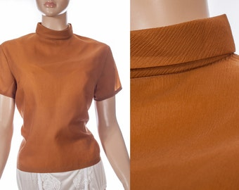Elegant 1960's vintage soft sheer cinnamon Trevira back zip fastening roll collar short sleeve blouse - DB231