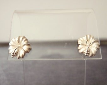 Sterling Silver Hibiscus Earrings E67