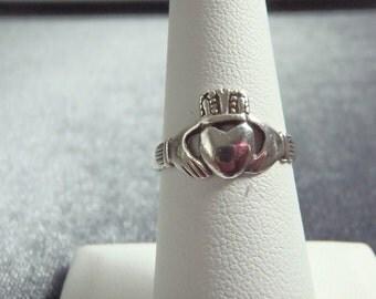 Sterling Silver Claddagh Ring Sz 7 R202