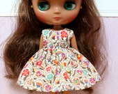 BLYTHE Middie doll Its my party dress - LIBERTY Autumn print