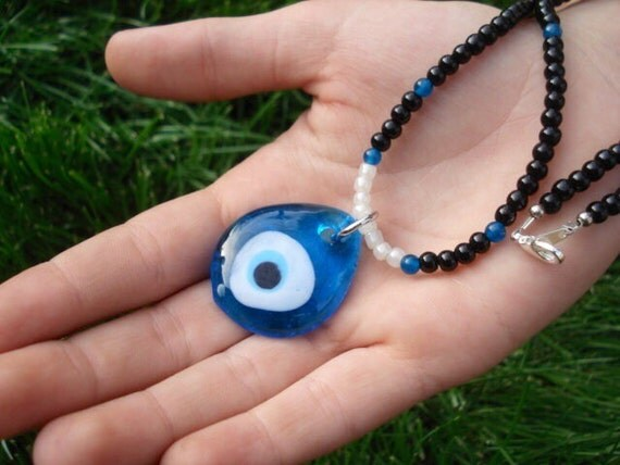 Glass Evil Eye Necklace, Chalcedony Necklace, Black Beaded Necklace, Pendant Necklace, Evil Eye Jewelry, Spiritual Jewelry, Healing Jewelry