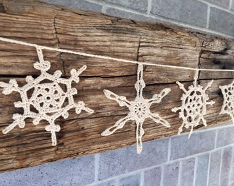 Snowflake Garland in Natural // Hostess Gift // Teacher Gift // Winter Decor