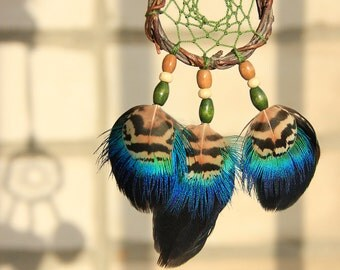 """Green Dreamcatcher Necklace Small Feather Dreamcatcher Necklace """"Tiger Jump"""" Shamanic Feather Jewelry Green Blue Feather Boho Necklace"""