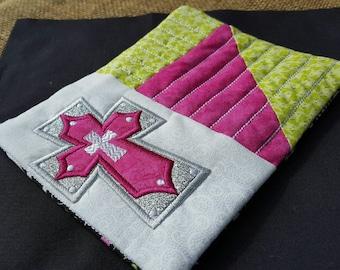 Cross mug rug/coaster