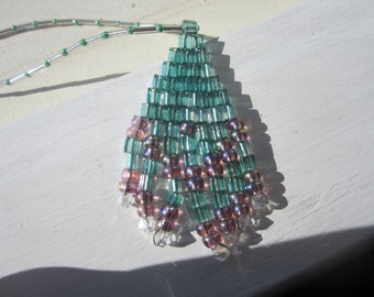 Woven pendant necklace