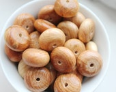 20 mm Wooden juniper aroma spacer beads - Natural polished - 10 pcs - eco friendly r20mm