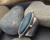 Large Skaggs Jasper ring, subtle blue colors wide sterling silver band leaves vines design & 4 gold colored brass balls, fits about size 7
