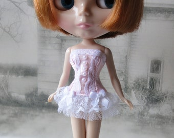 Romantic burlesque pink and white corset hand made fits Blythe doll