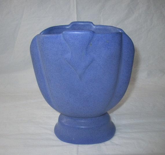 "Gorgeous Early 1930s Niloak Hywood Castware, Ozark Blue 7"" FAN VASE, Howard Lewis Design"
