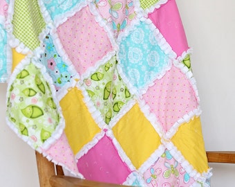 Girl's butterfly and pea pod rag crib quilt