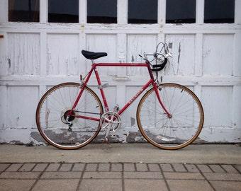 Vintage Ten Speed Bike Raleigh Sovereign Road Bike like Schwinn Le Tour or Varsity
