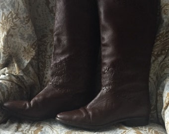 Women's size 8 100% brown leather vintage (1960s) boots
