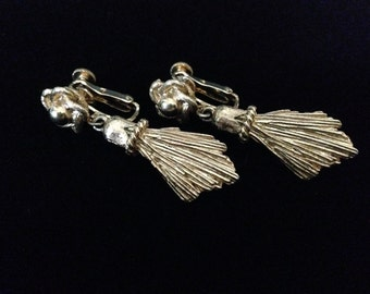 Vintage 1950's Coro Goldtone Flower and Dangle Tassels (Tier 2)