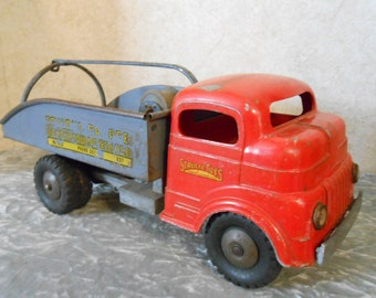 1950's Structo Working Wind-Up Tow Truck