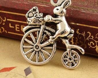 15 pcs-Antique silver Peter rabbit Charm  bicycle pendants 22*23MM