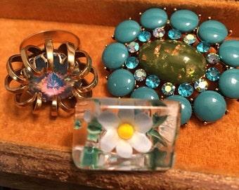 Vintage Lucite Reverse Carved Blue Flower Ring Mod Ring 60s Lucite Ring 1960s Ring Plastic Ring Flower Ring