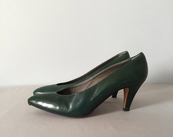 hunter green leather heels | 80s leather pumps | 10.5