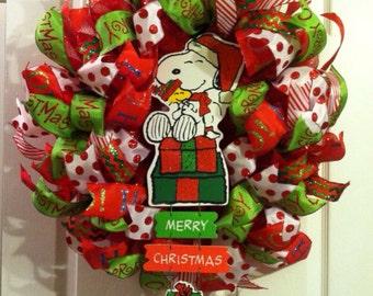 Christmas Wreath/ Snoopy Wreath/ Christmas Mesh Wreath/ Mesh Wreath/ Snoopy Collector's Item/ Snoopy