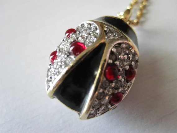 Joan rivers ladybug pendant necklace for Joan rivers jewelry necklaces